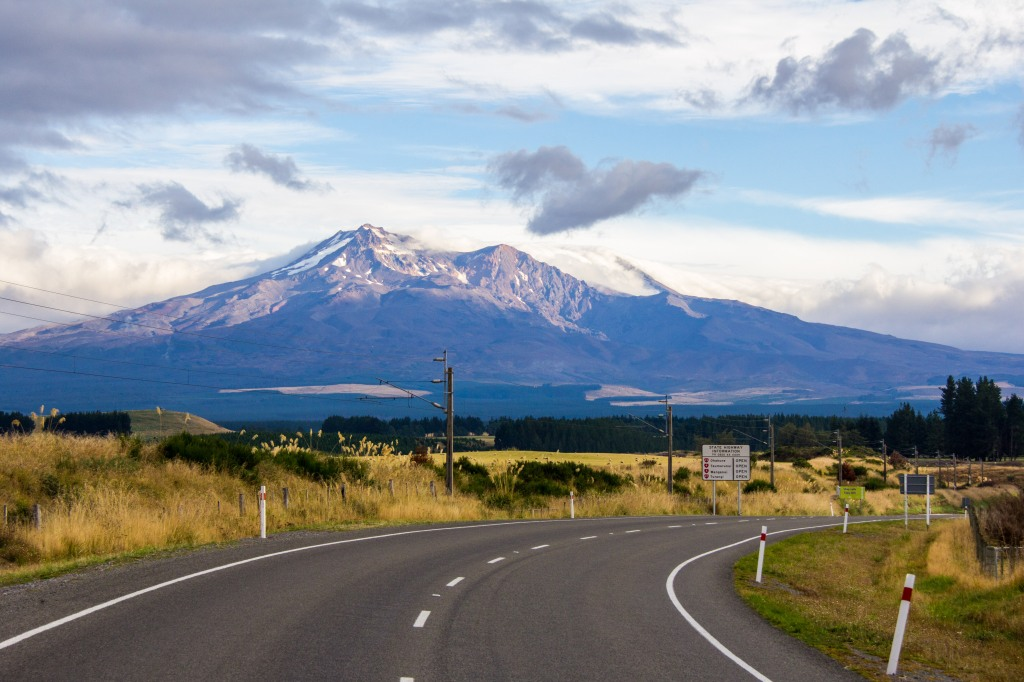 Mt Ruapehu at 8:30am. I know this gets in tourist brochures but not this shot and it is an hour from my house.