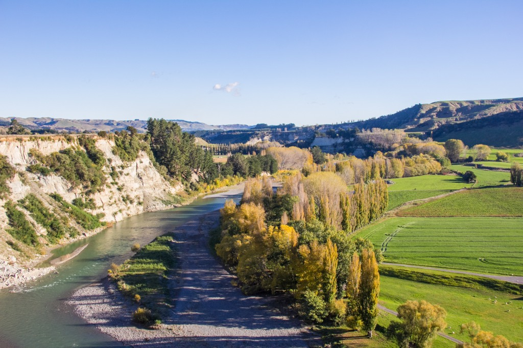 Rangitikei River. You can see this particular view unless you are paying attention to where the river is going. There's no official view point here.