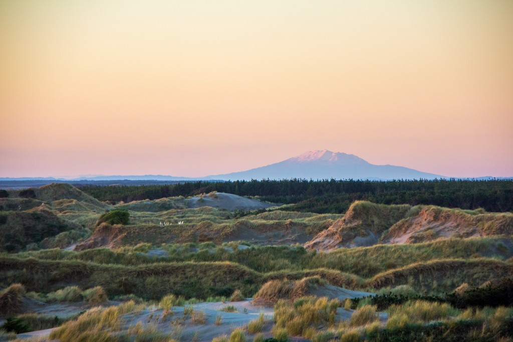 That's Mt Ruapehu, from Foxton Beach. just the 230 kilometres away. We have clear skies in New Zealand.