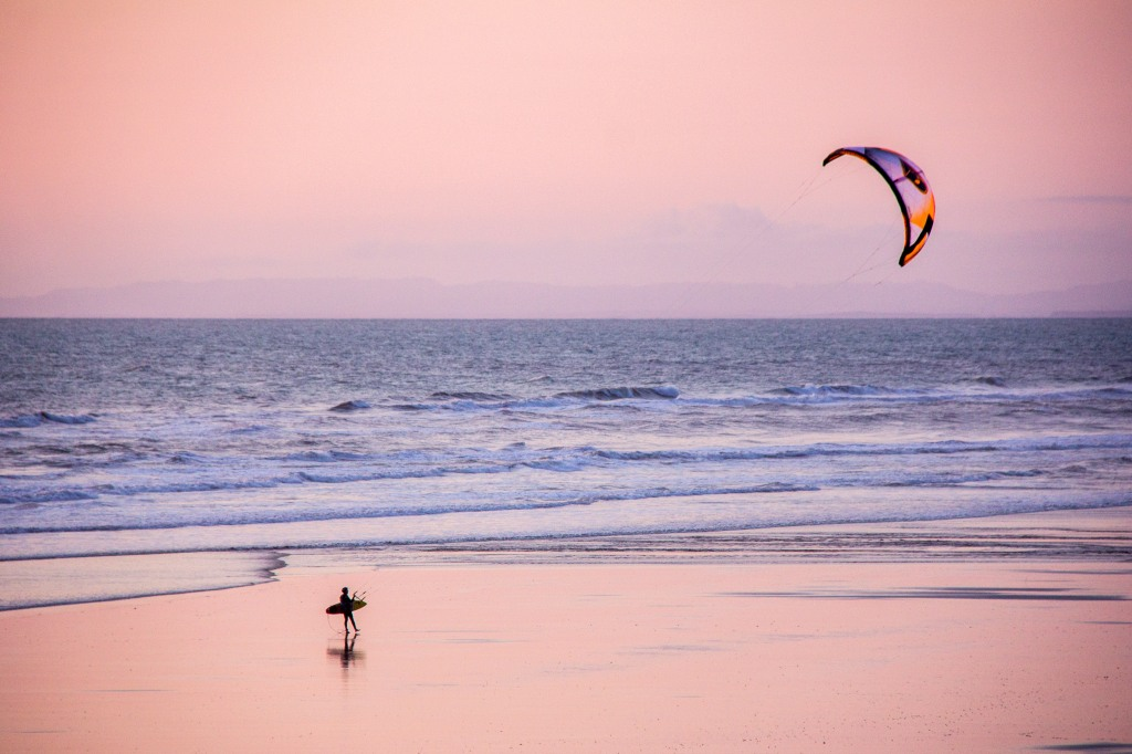 Kite Surfer walking in, had enough for the evening