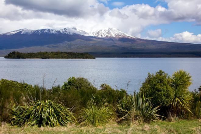 Lake Rotoaira, looks beautiful, it is.
