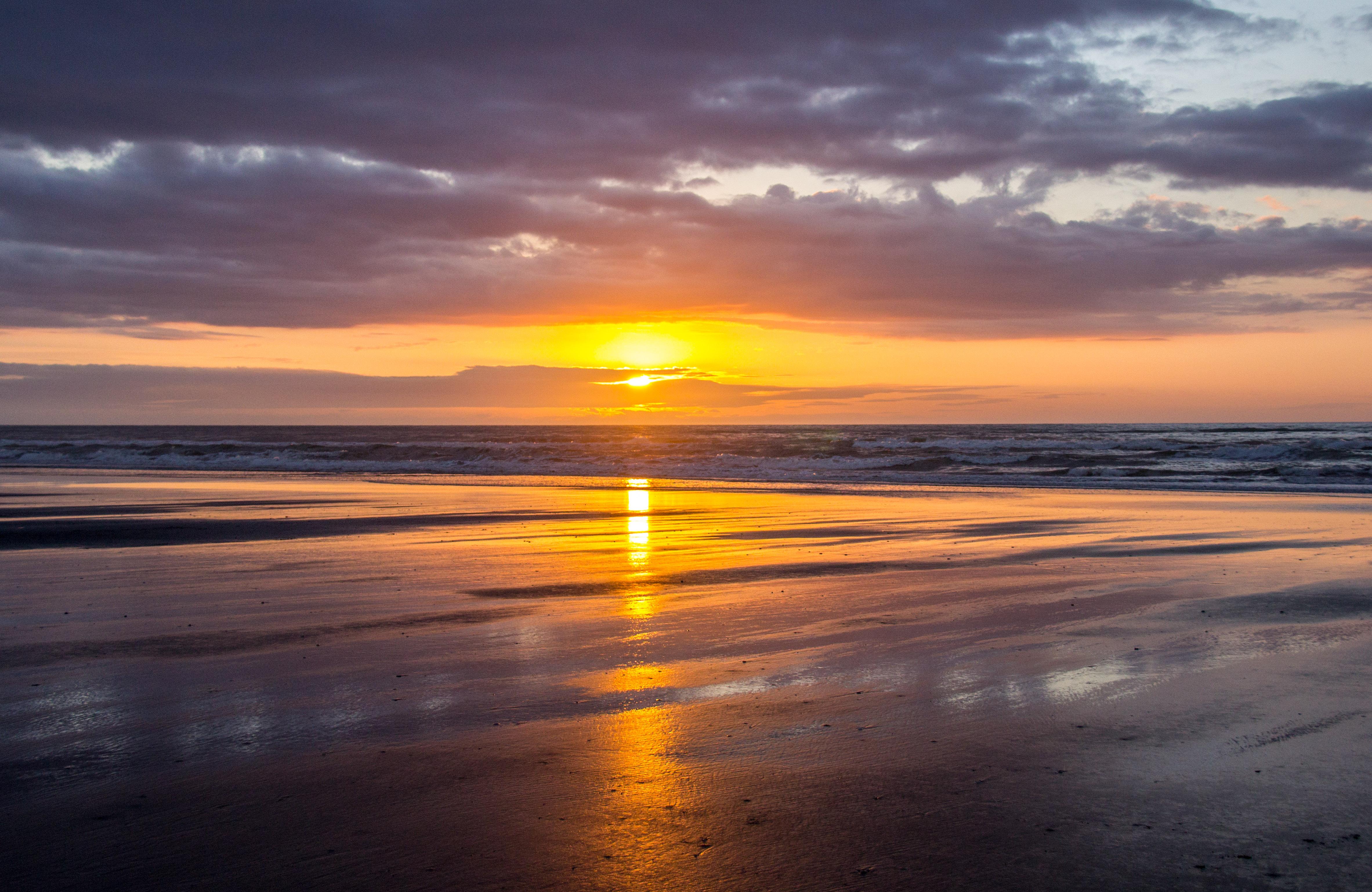Himi beach light