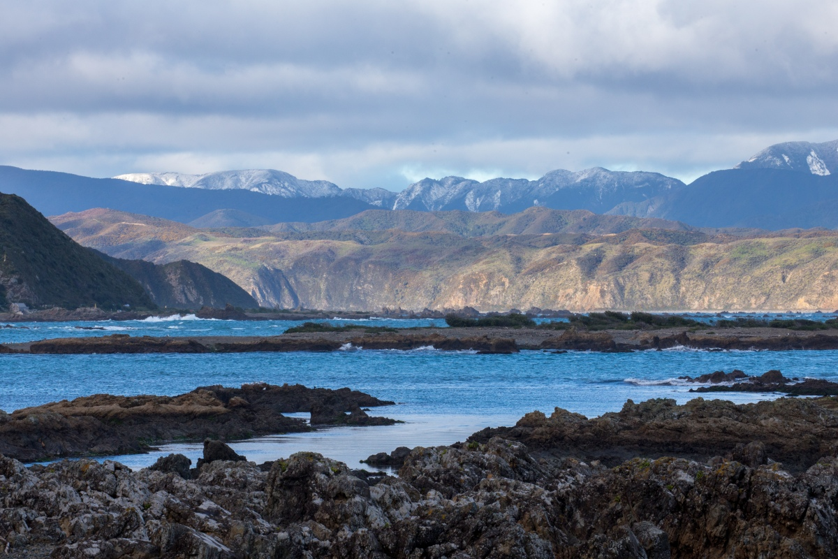 island-bay-mountain-backdrop