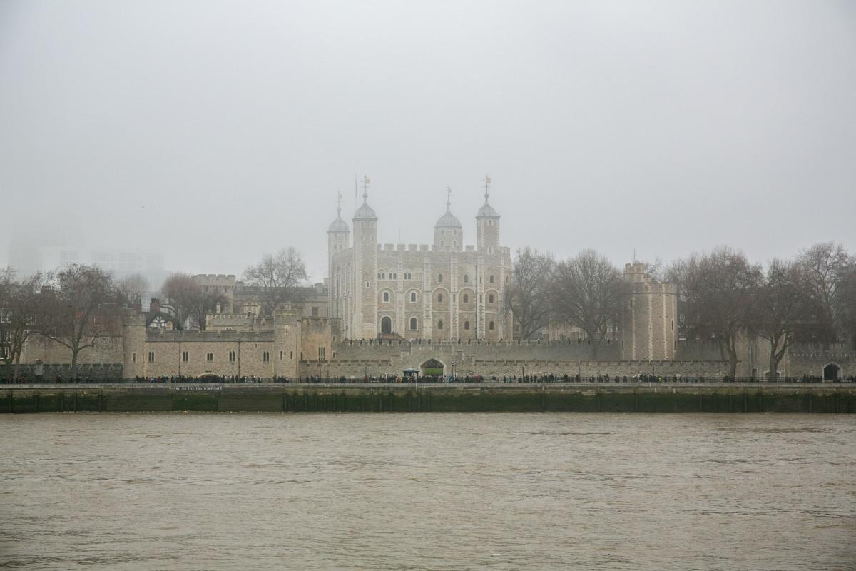 tower-of-london-fog