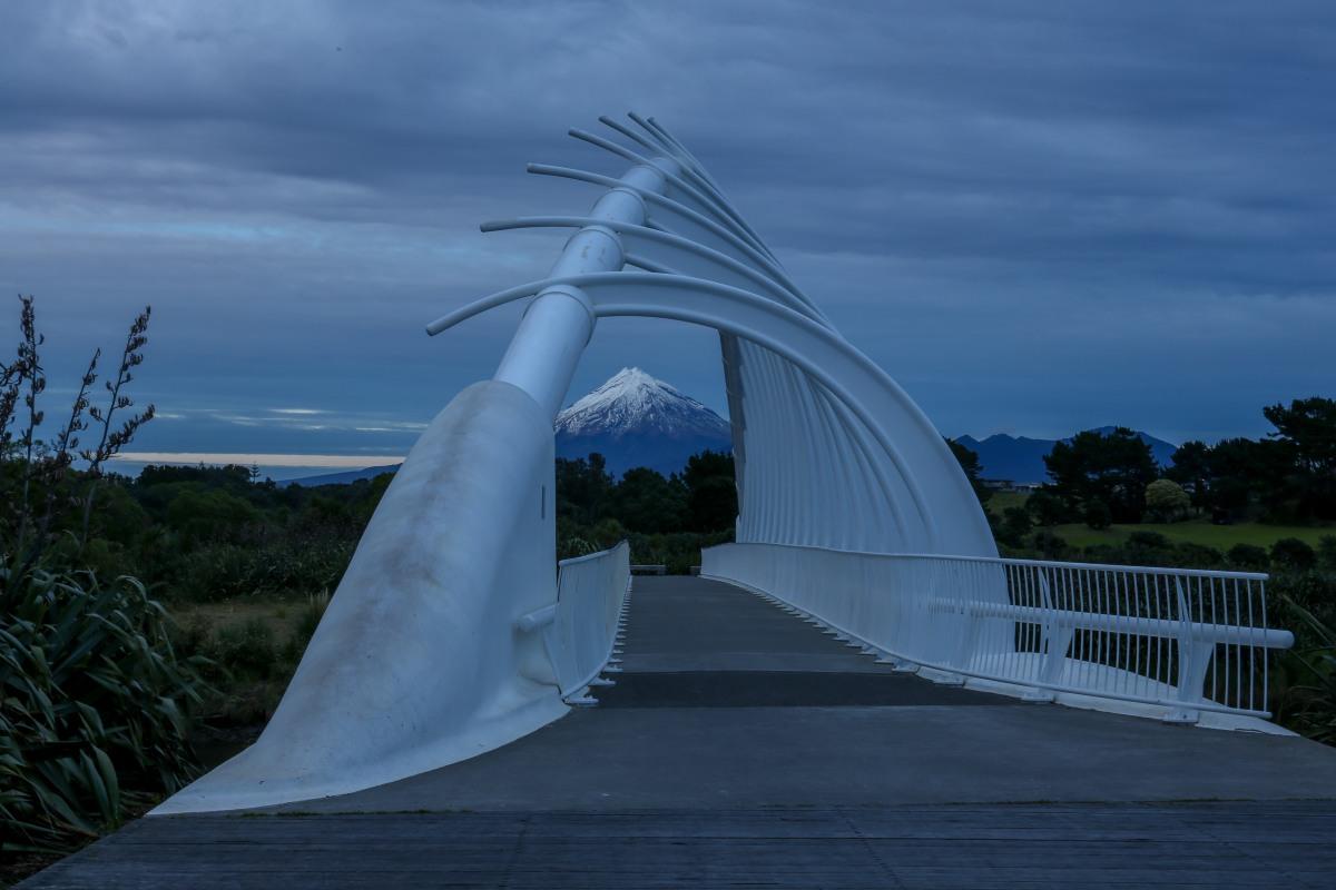 te-rewa-rewa-bridge-sunrise