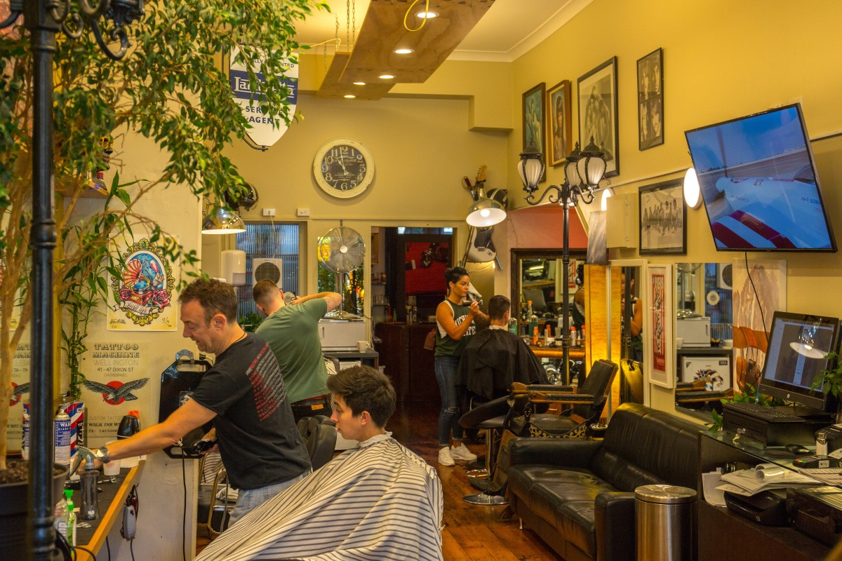 Cuba barbers at work